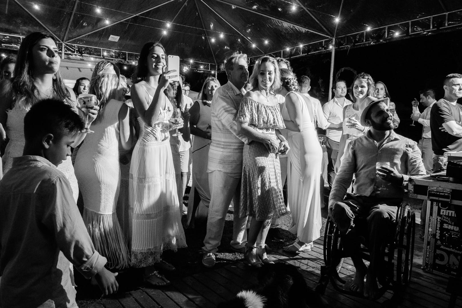 2a Parte do casamento mais doido do ano... Casamento Destination Wedding  loucura no casamento casando na praia casamento no hostel casamento no albergue casamento na barra da lagoa casamento louco casamento doido