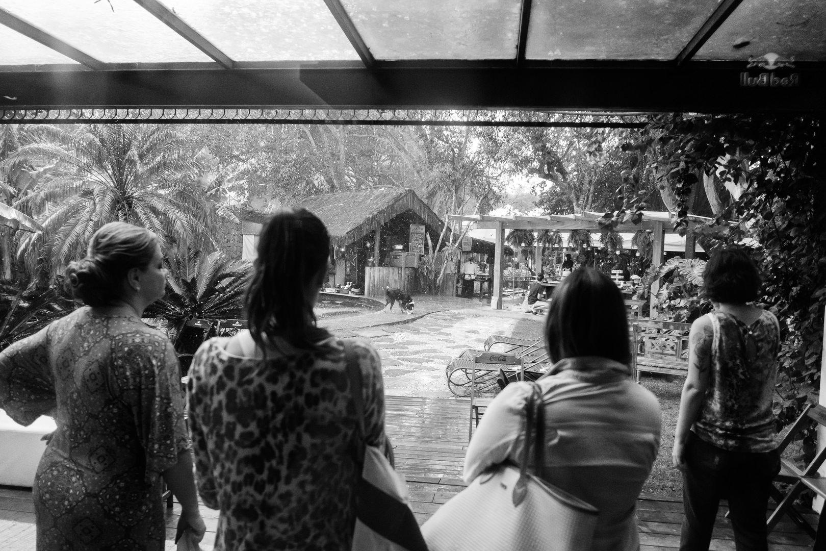 Casamento Surf em floripa: Diana + Fellipe Casamento Destination Wedding  casamento surf casamento no hostel the search house Casamento na Praia casamento na barra da lagoa casamento em floripa casamento em florianópolis casamento doido