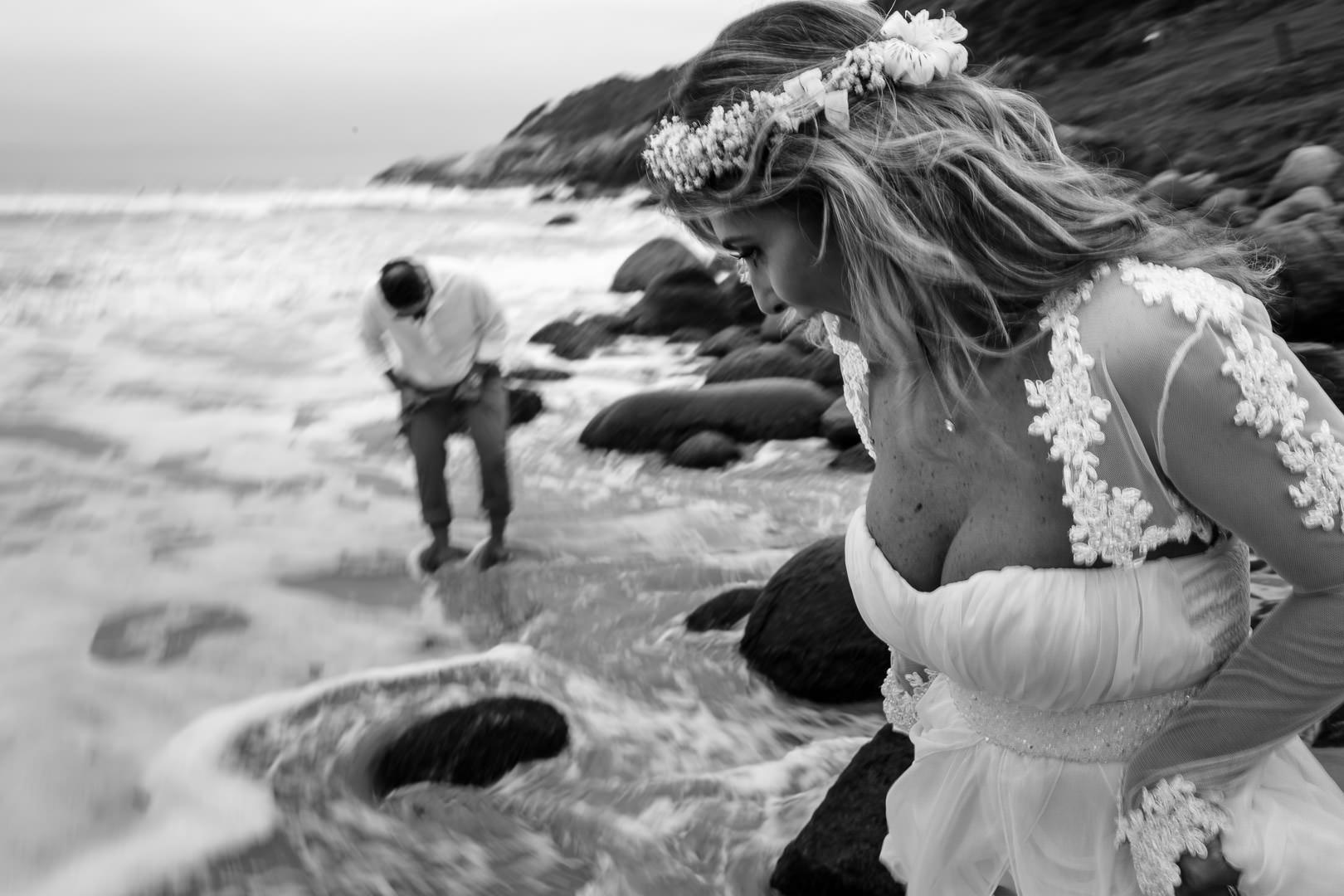 Elopement Wedding na Praia do Rosa: Márcia e Fábio Elopement  elopement wedding na praia do rosa elopement wedding elopement praia do rosa casando a dois casamento na praia do rosa Casamento a dois casamenteiras da praia do rosa